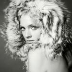 Retour en 2011 : Constance Jablonski par Greg Kadel pour le magazine Vogue en Italie.